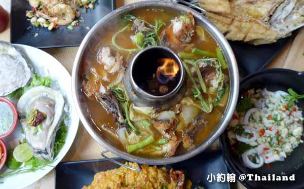 Savoey Thai Restaurant泰國老字號平價海鮮,曼谷泰式料理餐廳泰式酸辣湯.jpg
