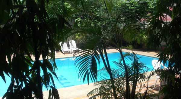 Florida Hotel Bangkok Hotel曼谷富都飯店@BTS Phaya Thai pool.jpg