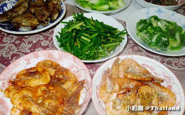 懶人料理-泰國紅咖哩醬炒白蝦 海鮮料理粉做胡椒蝦1.jpg