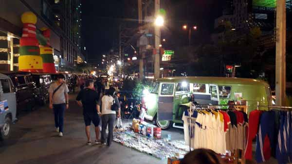 泰國曼谷桑倫夜市Suan Lum Night Bazaar Ratchadaphisek.jpg