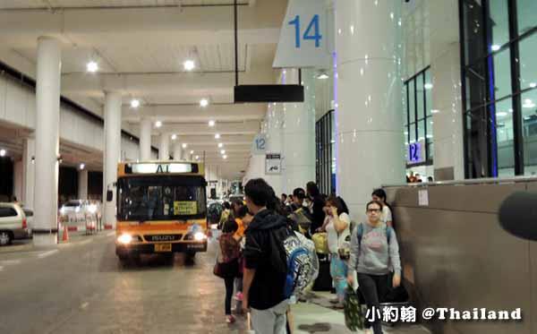 曼谷廊曼機場A1.A2 bus機場巴士換捷運地鐵@on Muang Airport3.jpg