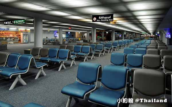 曼谷廊曼機場出境準備飛回灣的流程-等候座位.jpg