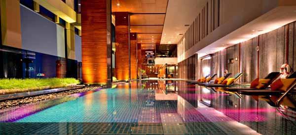 Renaissance Bangkok Ratchaprasong Hotel曼谷萬麗飯店POOL.jpg