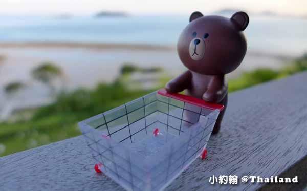 LINE FRIENDS Desktop Item Set熊大免免桌上公仔手機吸盤座3.jpg