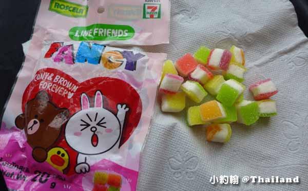 泰國曼谷7-11 LINE FRIENDS 熊大兔兔愛戀軟糖.jpg