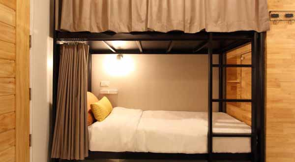 Lupta Hostel Patong Hideaway ROOM.jpg