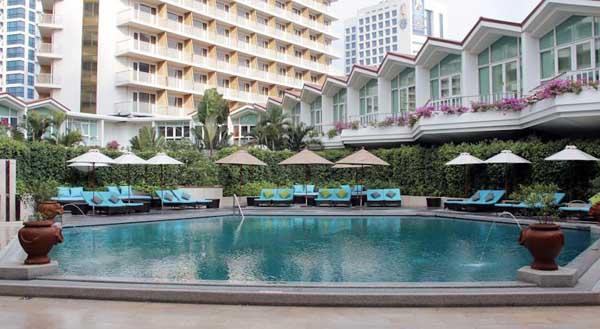 Dusit Thani Bangkok 曼谷杜斯特塔尼五星級飯店@Sala Daeng POOL.jpg