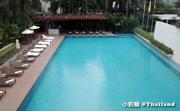 Metropolitan by COMO, Bangkok Hotel-swimming pool.jpg