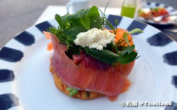 Point Yamu普吉島飯店早餐吧鮭魚塔.jpg