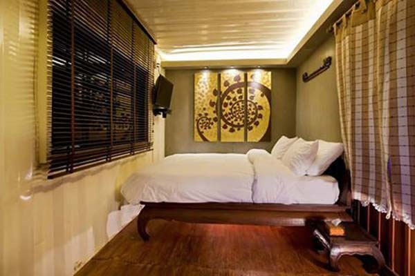 Snooze Box Hotel Chiang Mai 3.jpg