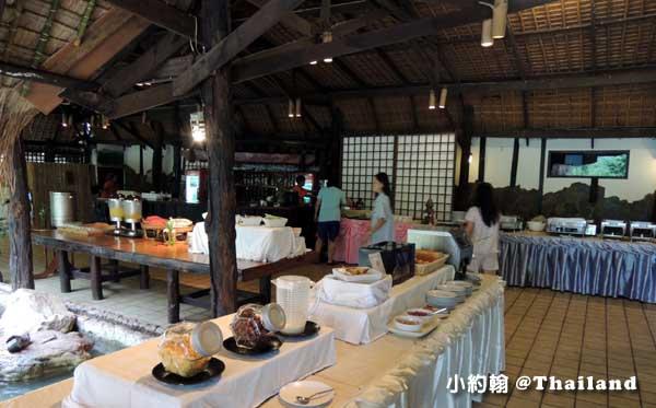 Home Phutoey River Kwai Resort breakfast.jpg