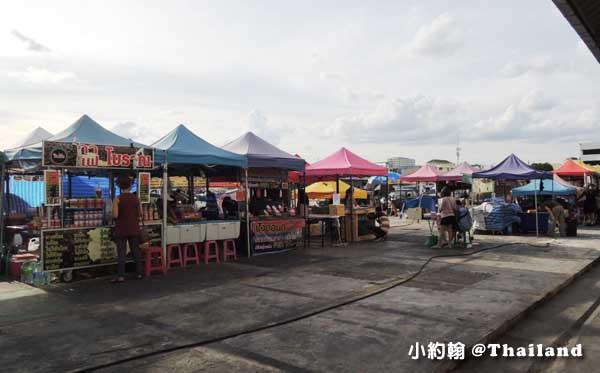 曼谷鐵道夜市Ratchada Train Market2.jpg