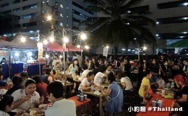 曼谷鐵道夜市Ratchada Train Market8.jpg
