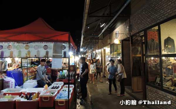 曼谷鐵道夜市Ratchada Train Market10.jpg