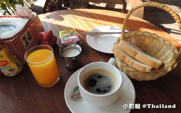 Parasol Inn Hotel ChiangMai Terrace早餐2.jpg