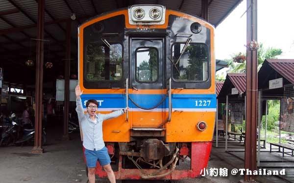 泰國美功鐵道市場(Maeklong Railway Market)重新開張.jpg
