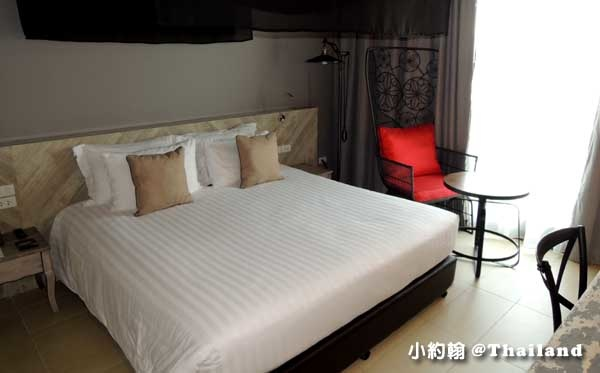 Art Mai Gallery Nimman Hotel room6.jpg