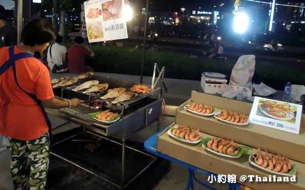 MAYA百貨清邁寧曼夜市小吃攤.jpg