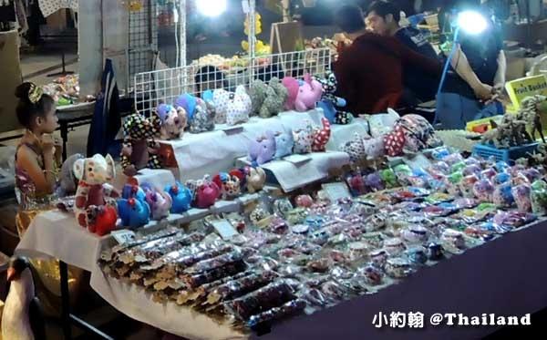 MAYA百貨清邁寧曼夜市大象商品.jpg