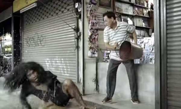 泰國感人廣告乞丐的報恩Vizer cctv1.jpg