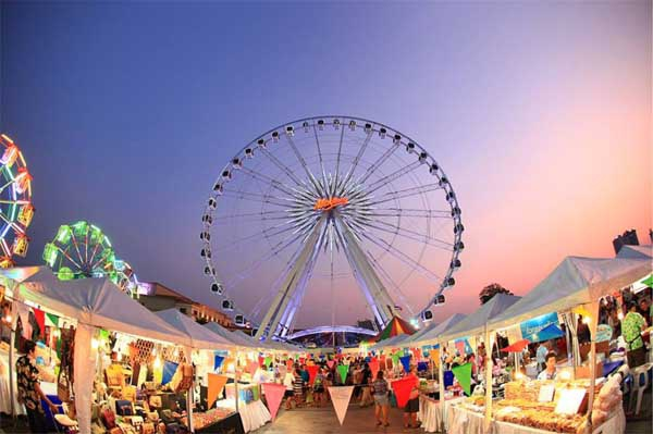 Asiatique The Riverfront Songkran festival 2016 f.jpg