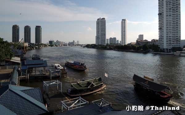 曼谷水上捷運Sathon pier.jpg