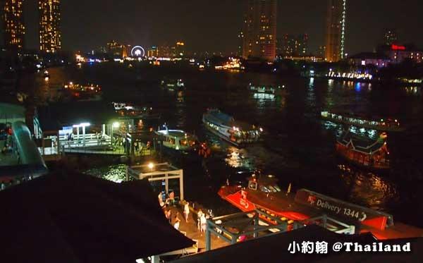 Chao Phraya river昭披耶河塞船.jpg