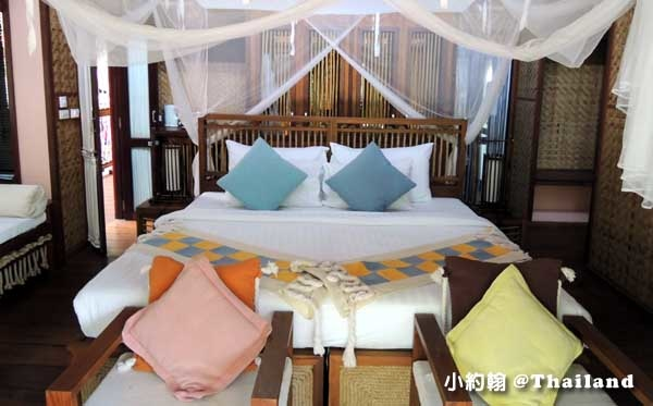Floathouse River Kwai Resort room.jpg