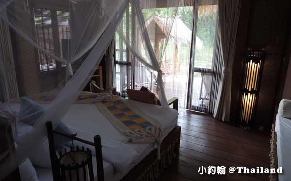 Floathouse River Kwai Resort room1.jpg