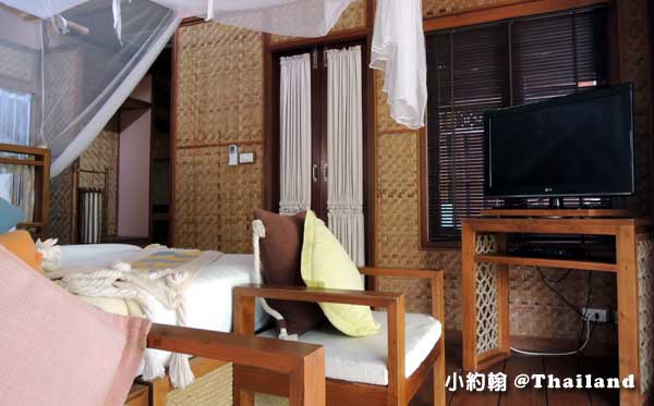Floathouse River Kwai Resort room3.jpg