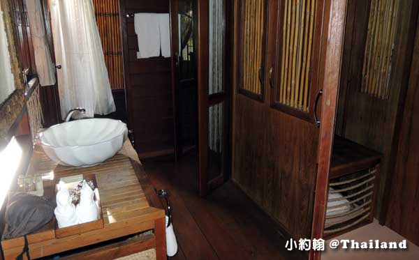 Floathouse River Kwai Resort room7.jpg