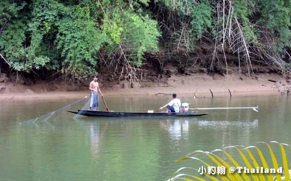 Floathouse River Kwai Resort fish.jpg