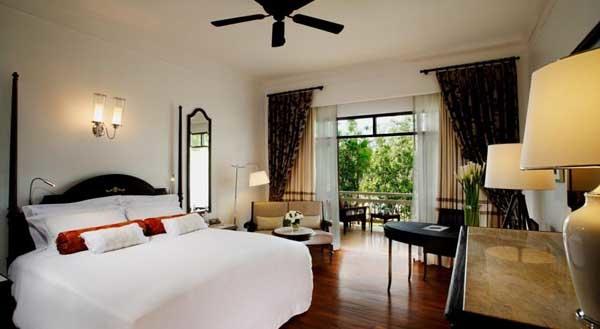 Centara Grand Beach Resort & Villas Hua Hin room.jpg