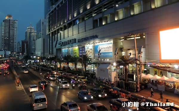 曼谷水門市場夜市-Platinum fashion mall.jpg