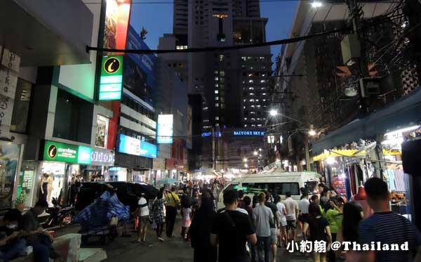 曼谷水門市場夜市- Baiyoke Sky Tower.jpg