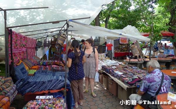 清邁週五跳蚤市集Wat Phan On佛寺3.jpg