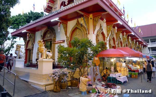 清邁週日步行夜市Wat Phan On佛寺.jpg