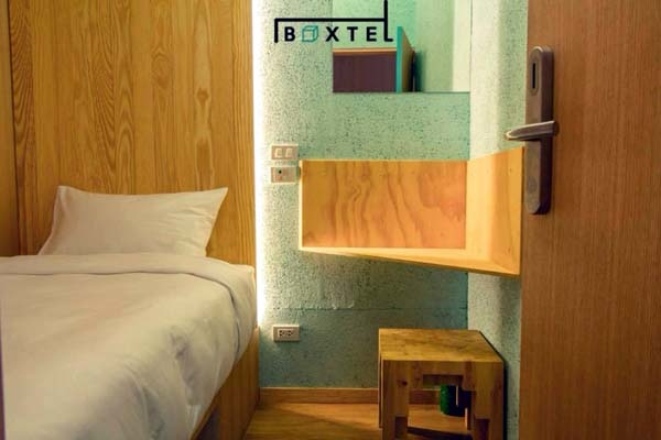 Boxtel Sleeping Box hotel Suvarnabhumi Airport.jpg