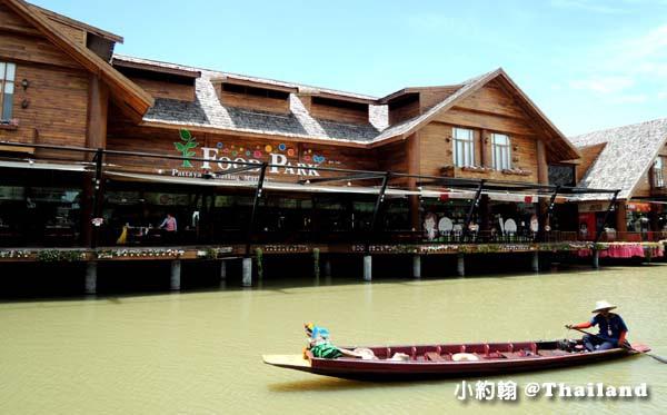 Pattaya Floating Market food park.jpg