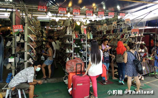 泰國曼谷恰圖恰存放行李.jpg