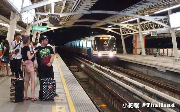 曼谷自由行哪裡有行李置物櫃.jpg