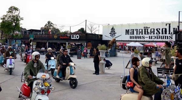 泰國曼谷火車貨櫃夜市Train Night Market Kaset Nawamin3.jpg