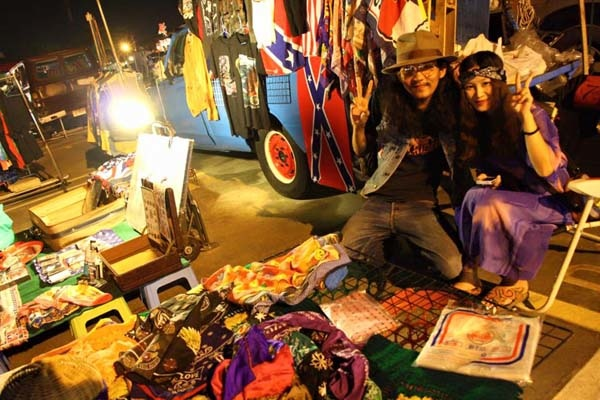 泰國曼谷火車貨櫃夜市Train Night Market Kaset Nawamin13.jpg