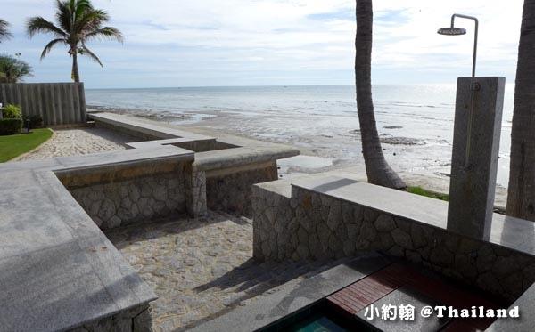 Rest Detail Hotel Hua Hin Rest pool beach.jpg