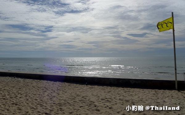 Rest Detail Hotel Hua Hin Rest pool beach1.jpg