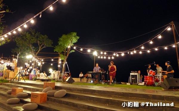 Hua Hin Beach Market@Seenspace huahin live band.jpg