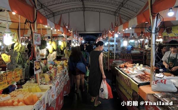 Central World street food night marekt3.jpg