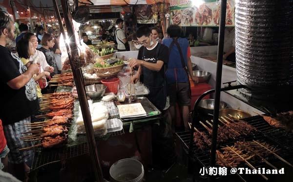 Central World street food night marekt烤雞腿.jpg