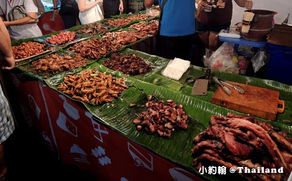Central World street food night marekt泰式烤肉.jpg