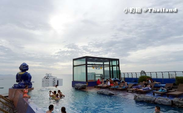 Siam@Siam Pattaya Double Deck sky Pool7.jpg